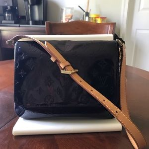 Authentic Louis Vuitton Vernis Thompson Handbag